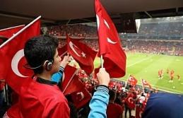 Turkcell görme engelli çocuklara milli maç heyecanı...