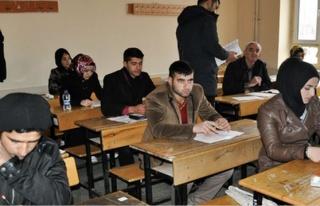 Midyat Açıköğretim Lise Sınavları Sorunsuz Tamamlandı