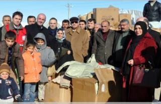 Midyat Çadır Kentte Bulunan Sığınmacılara Yardım...