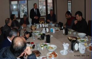 Dr. Nihat Özkan, Gazetecilerle Bir Araya Geldi