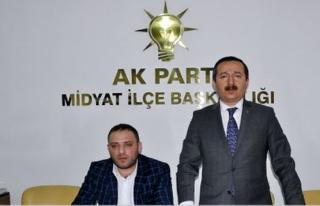 Dr. Mehmet Baş, teşkilatının Midyat Gençlik Kolları...