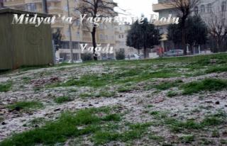 Midyat'ta Yağmur ve Dolu Yağdı