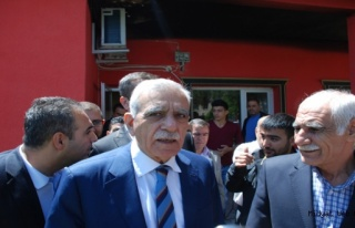 Ahmet Türk Midyat'ta