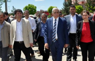 HDP'liler Midyat'ta Seçim Çalışmalarına Devam...