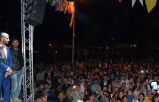 Midyat Halk Konserinde Binlerce Kişi Bir Araya Geldi