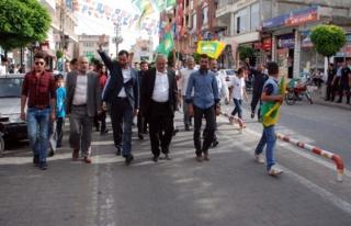 Hür Aday Mahmut Kılınç, Midyat Köşk Meydanı'nda...