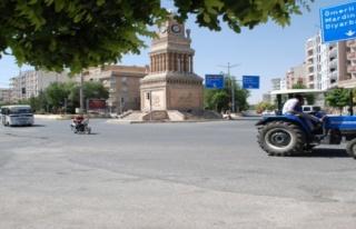 Midyat'ta motosiklet sürücüleri kazaya da davetiye...