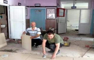 Midyat'ta Müdür Okuluna Fayans Döşedi