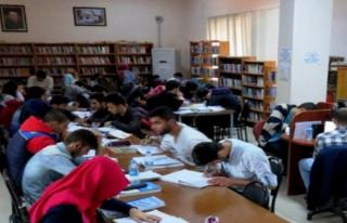 Midyat YGS Öğrencileri Çalışmak İçin Kütüphaneyi...