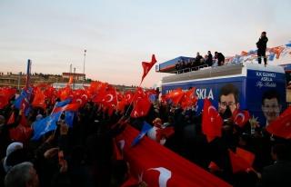 Başbakan Davutoğlu Mardin Midyat'ta halka hitap...