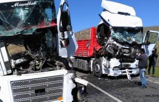 Midyat'ta zincirleme trafik kazası: 2 yaralı