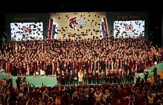Fatih Sultan Mehmet Vakıf Üniversitesi mezunlarını...