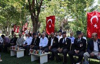 Vali Güzeloğlu, gazilerle bayramlaştı