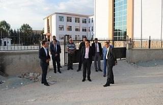 Gölbaşı Kaymakamı Aksoy'dan okulda inceleme