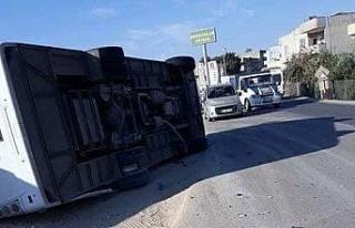 Şanlıurfa'da polisleri taşıyan otobüs devrildi:...