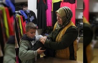 Gaziantep'te bin çocuğa kıyafet yardımı yapıldı