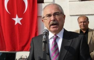 Mardin Valisi Yaman'dan 10 Kasım Atatürk'ü...