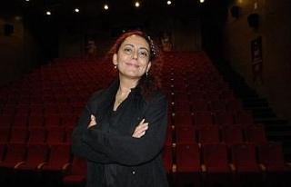 Şehir Tiyatroları Genel Sanat Yönetmeni Ekici'ye...