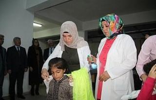 Suriyeli öğrencilerin saç kesim ve bakımı yapıldı