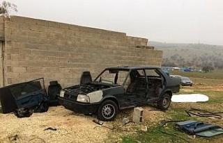 Çaldıkları araçları parçalayıp sattılar