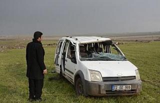 Şanlıurfa'da hafif ticari araç şarampole devrildi:...