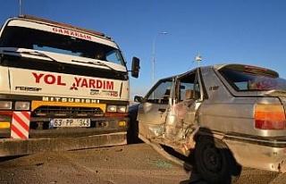 Şanlıurfa'da minibüs ile otomobil çarpıştı:...