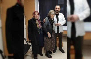 98 yaşındaki hastaya kalça protezi ameliyatı