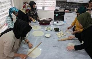 Diyarbakır'ın yöresel yemekleri kadınlara gelir...