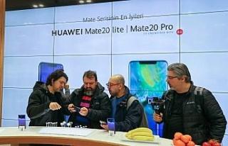 Huawei, Türkiye'deki ilk deneyim mağazasını İzmir'de...