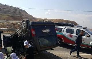 Siirt'te kamyonet devrildi: 5 yaralı