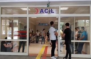 Siirt'te üzerilerine cam devrilen iki kişi yaralandı