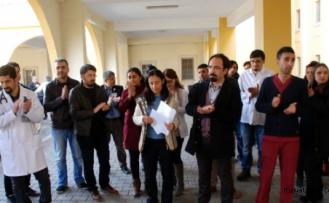 Midyatta 14 Mart Tıp Bayramı Öncesi Sağlık Çalışanlarından Eylem