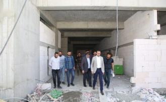 Başkan Vekili Bedirhanoğlu, hastane inşaatını inceledi