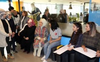 Emine Erdoğan, Mardin'de gençlerle bir araya geldi