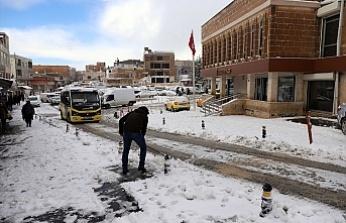 Mardin'de 47 iş makinesiyle karla mücadele