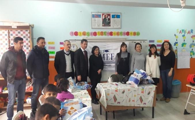 Midyat'ta 350 öğrenciye kışlık yardımı