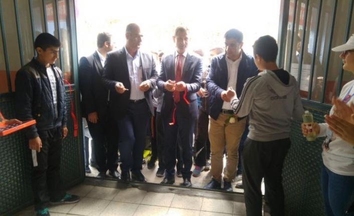 Atatürk Ortaokulunda 4006 Tübitak Bilim Fuarı Açıldı.